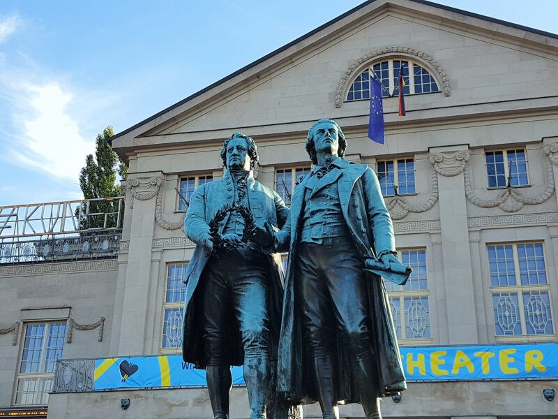 ワイマールのゲーテとシラーの像